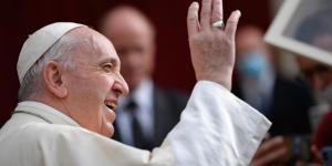Papa canoniza Madre Teresa e diz que Igreja deve estar onde há uma mão estendida