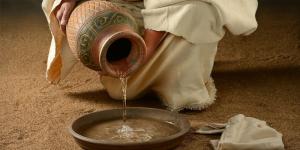Lava-pés: deslocamento que amplia a visão da vida