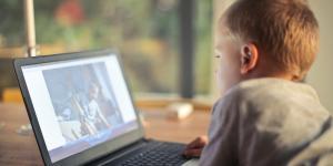 O erro dos pais amedrontados pela tecnologia